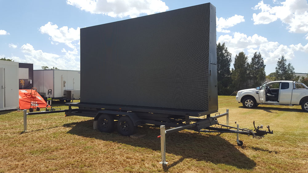 Setting up the LED Screen at Adelaide Cup race in Morphetville